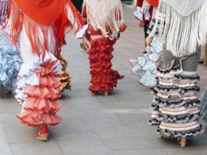 Hiszpańskie falbanki - inspiracje modowe.