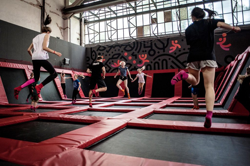 Slow Warszawa: Hangar 646 park trampolin
