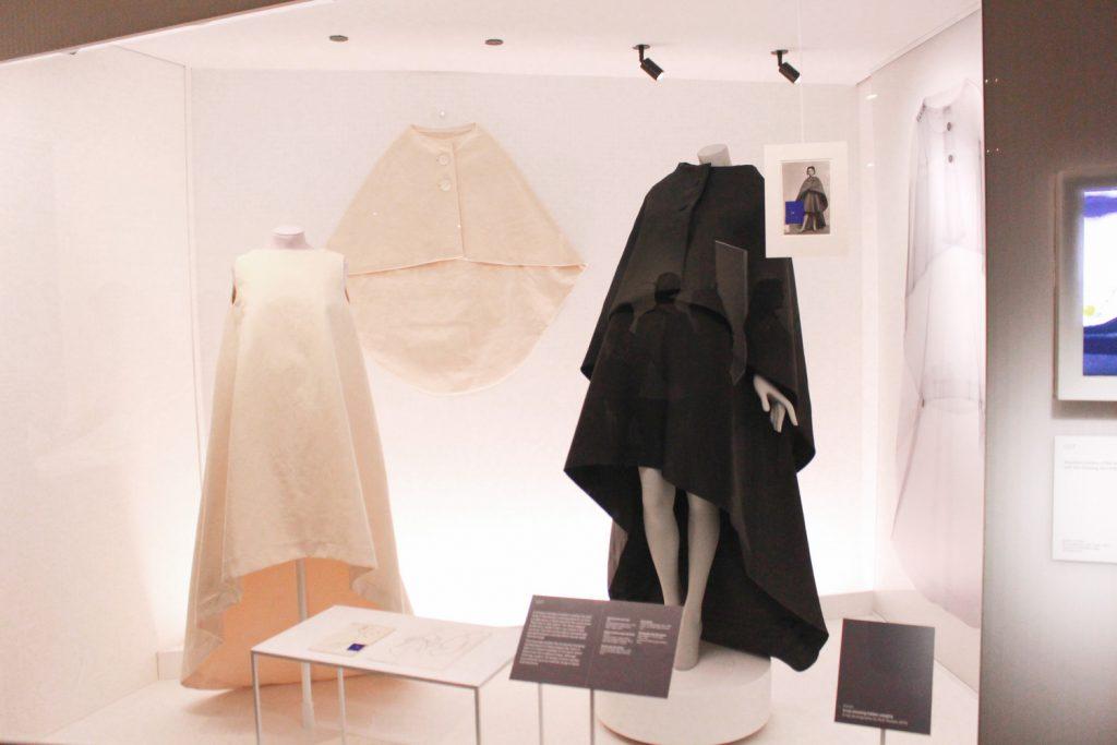 Cristobal Balenciaga wystawa wVictoria & Albert Museum wLondynie.