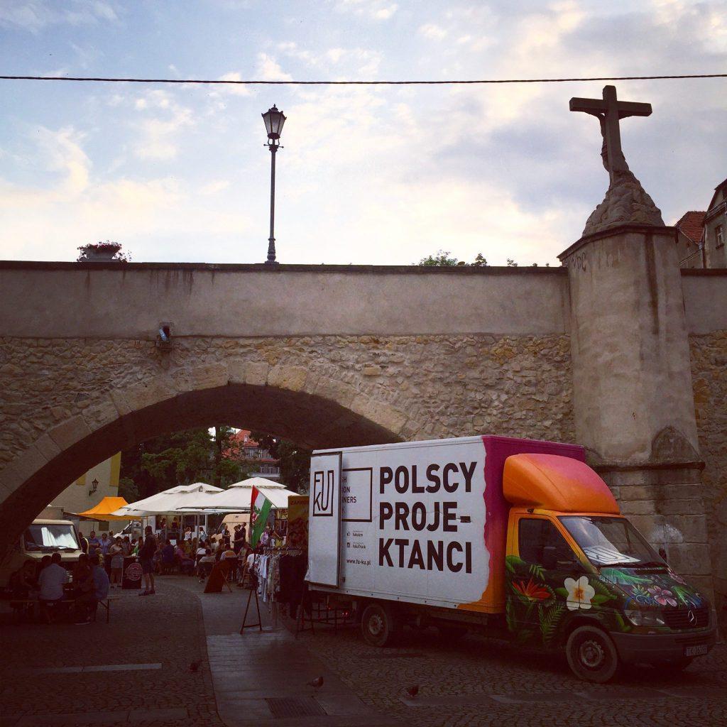 Fu-Ku Fashion Truck podmostem św.Jana wKłodzku