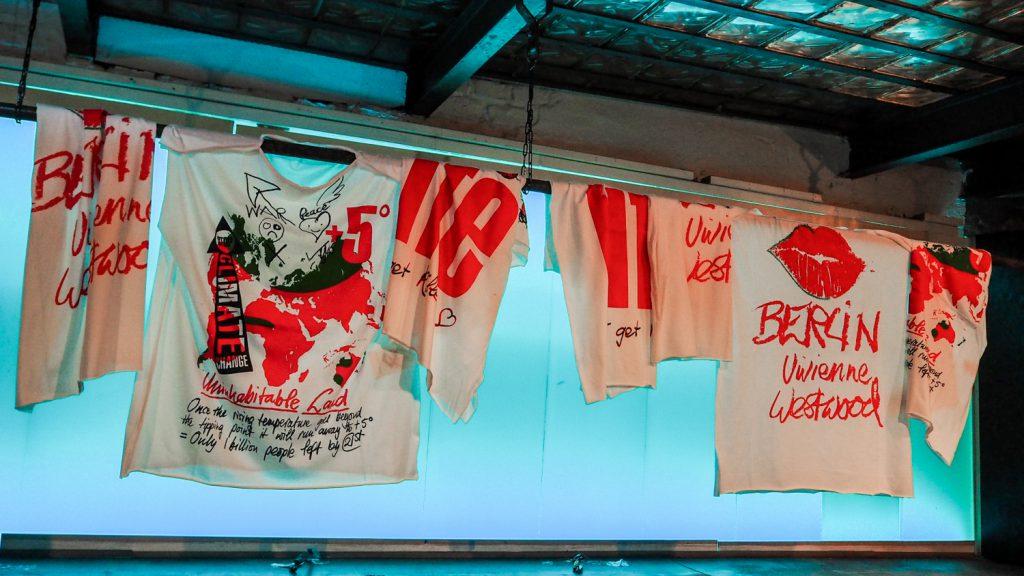 Instalacja artystyczna Vivienne Westwood nabread&butter wBerlinie.