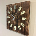 drewniane zegarki brodaty stolarz