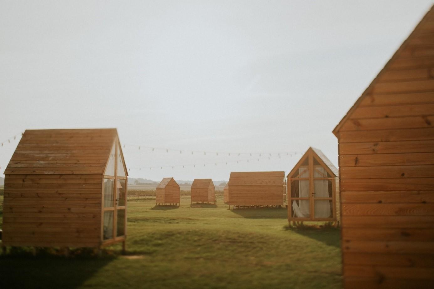 nietypowe-miejsca-w-polsce-folwark-ruchenka-noclegi