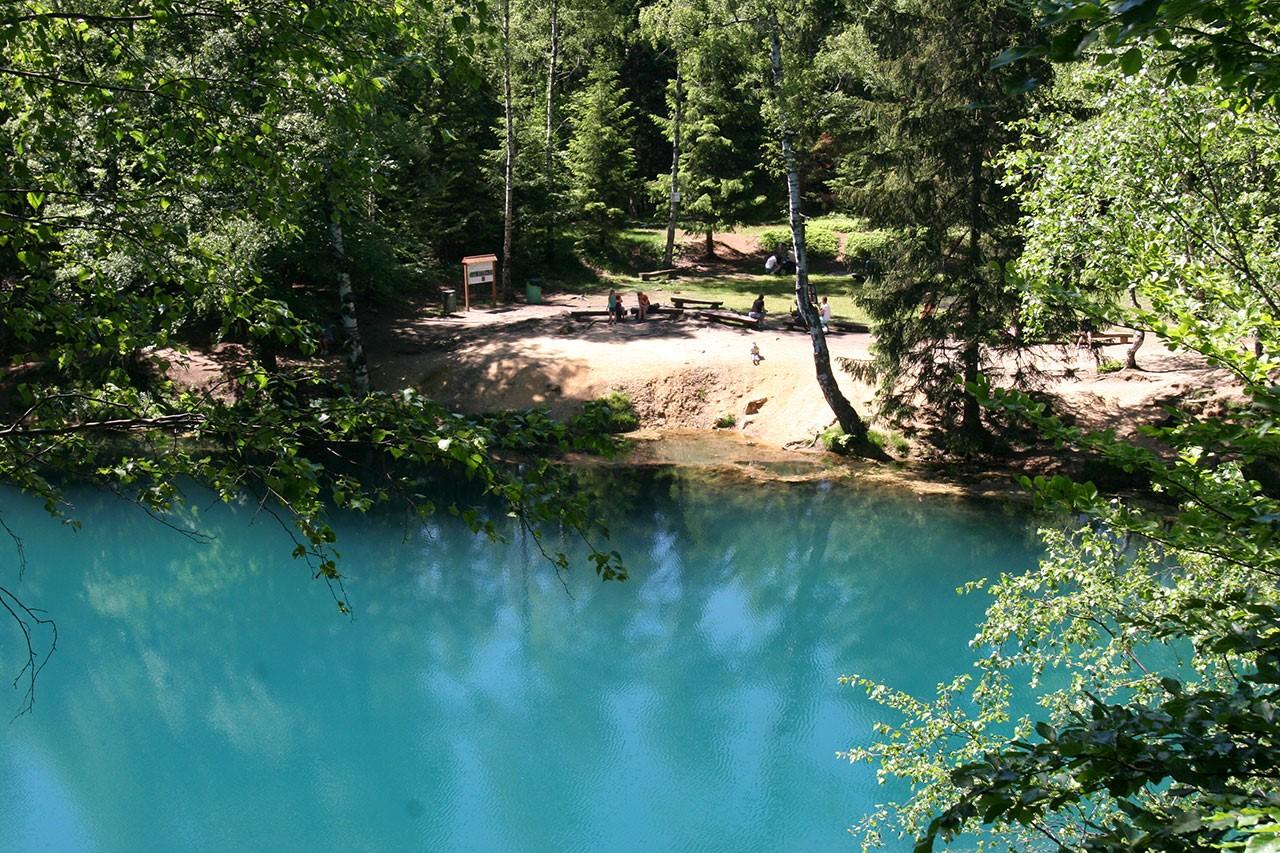 nietypowe-miejsca-w-polsce-kolorowe-jeziorka