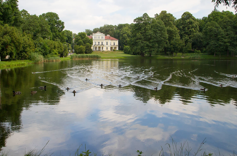 nietypowe-miejsca-w-polsce-zloty-potok-zamek